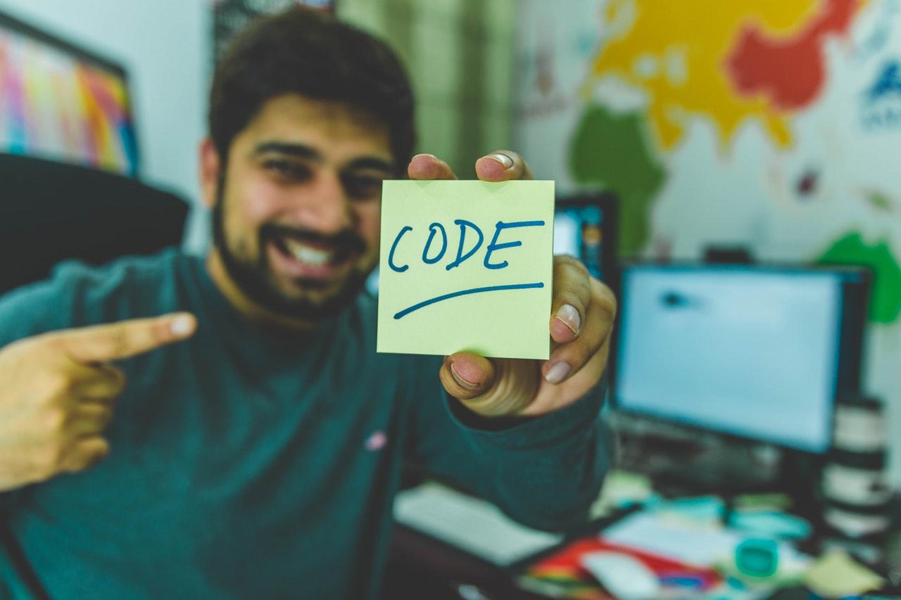 クラウドソーシングでコーディングを外注するメリットデメリット