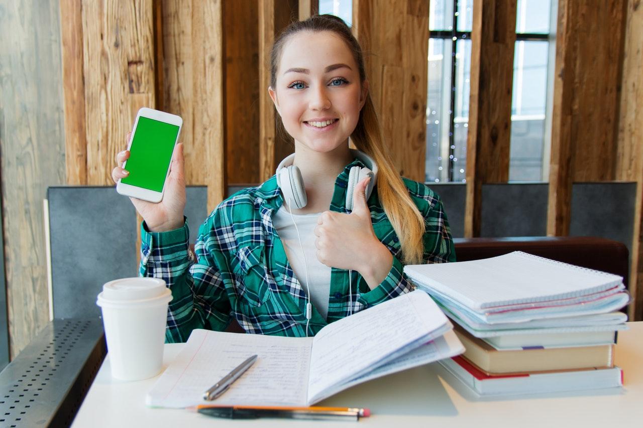 【学生にオススメ】クラウドソーシングでお小遣いを稼ぐ8つの方法