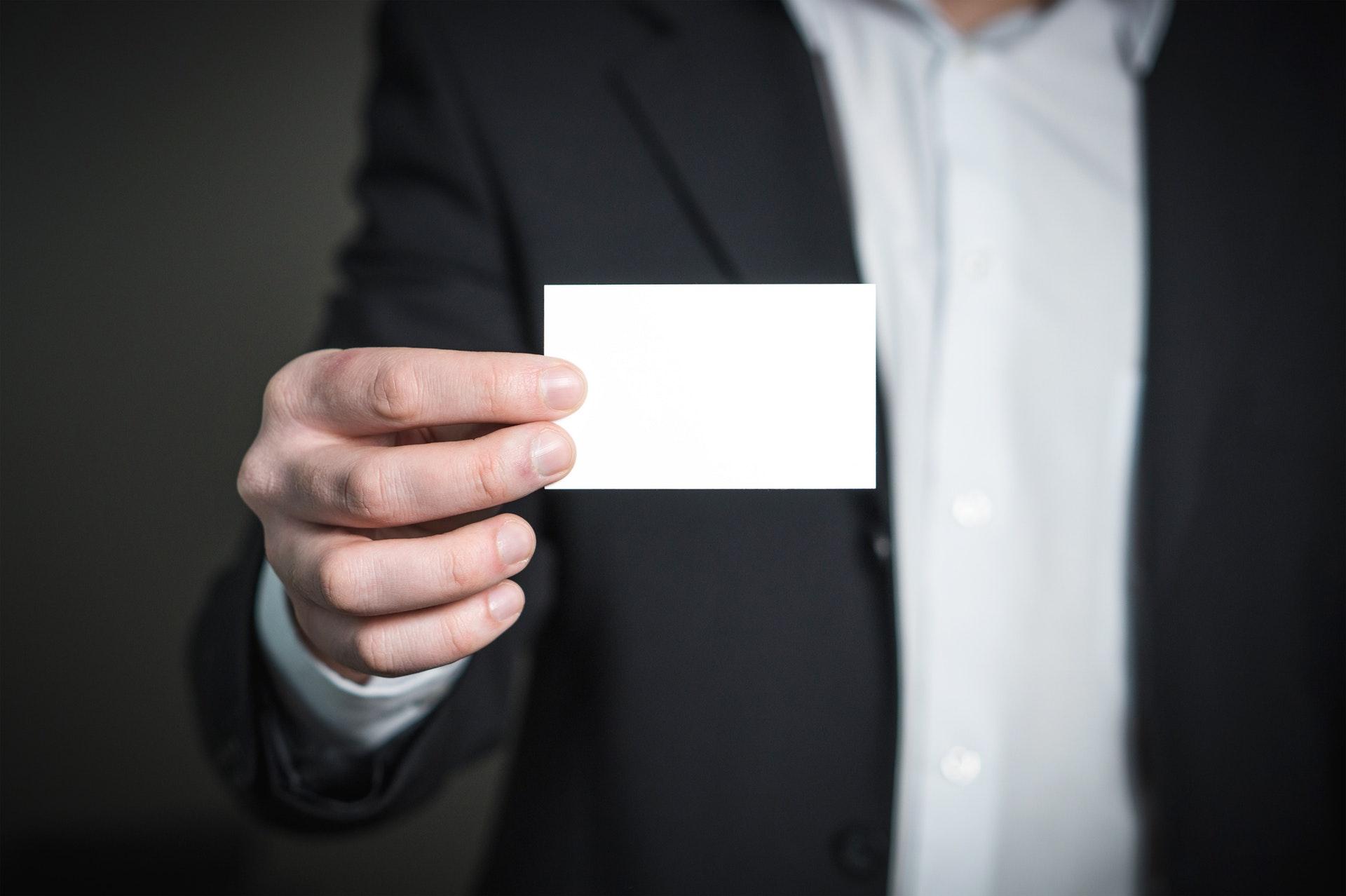 クラウドソーシングに本名で登録するメリットデメリット